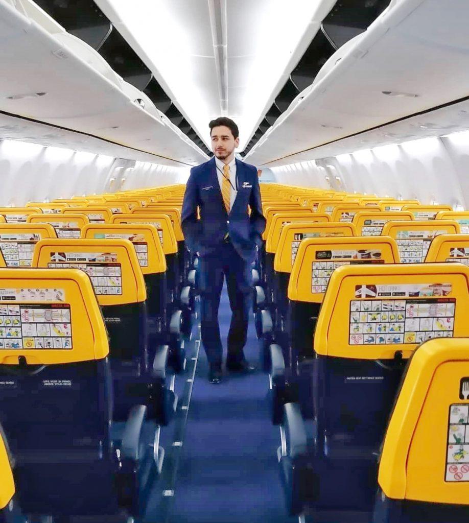 Soy Andy, ex alumno Global Crew y TCP en Ryanair, y te cuento mi experiencia.