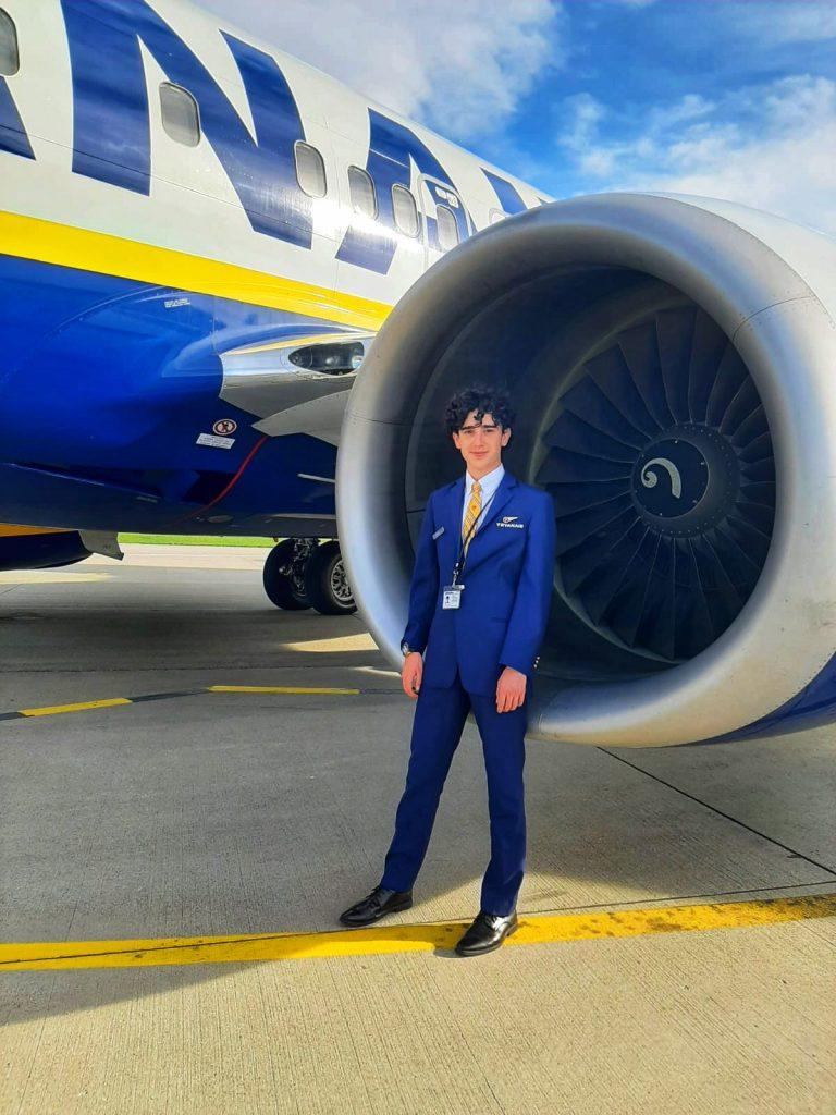 Soy Rubén, ex alumno Global Crew y TCP en Ryanair, y te cuento mi experiencia.